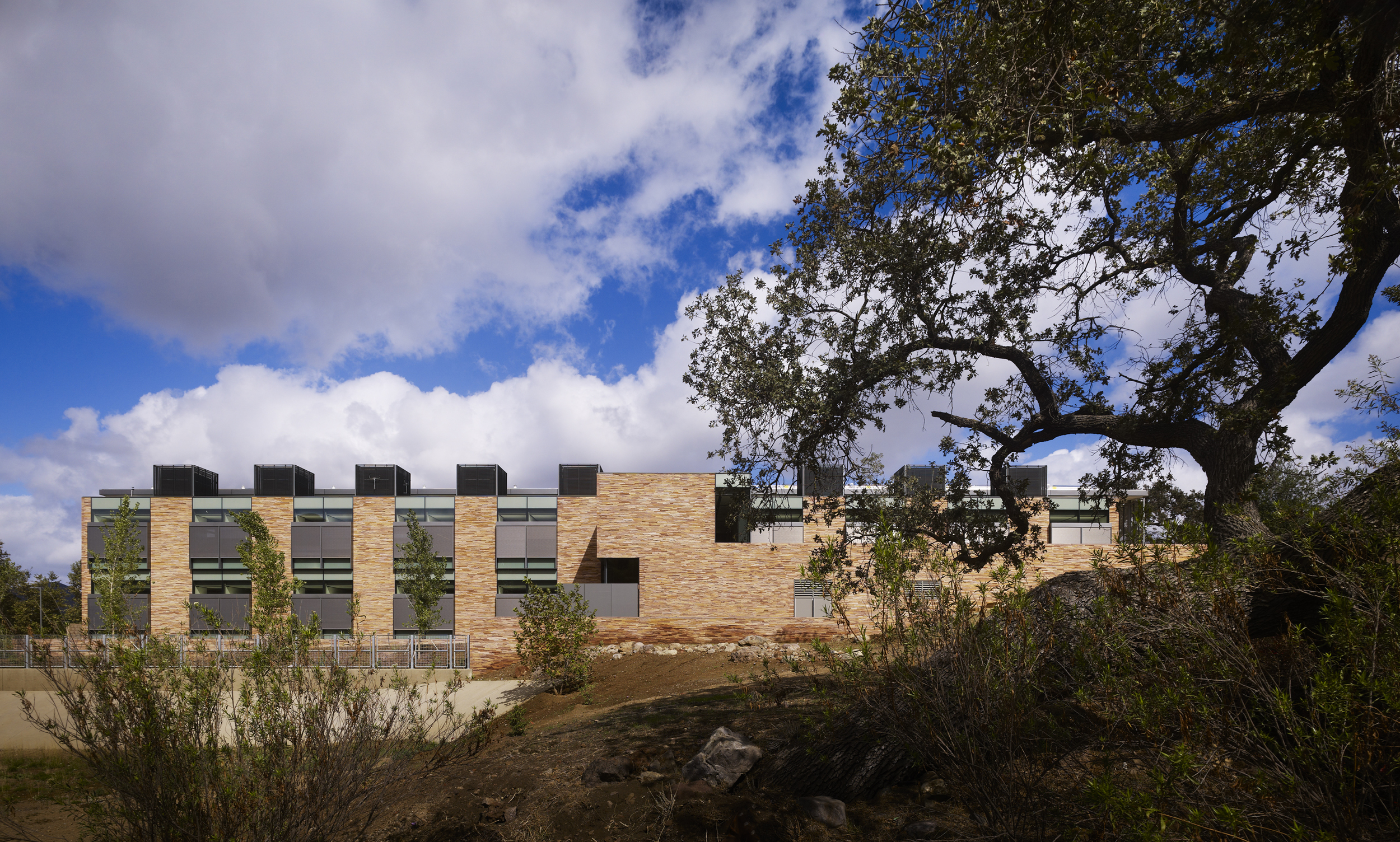 Watch Video      Conrad Hilton Foundation  ZGF Architects  Agoura Hills, CA      Return to Projects