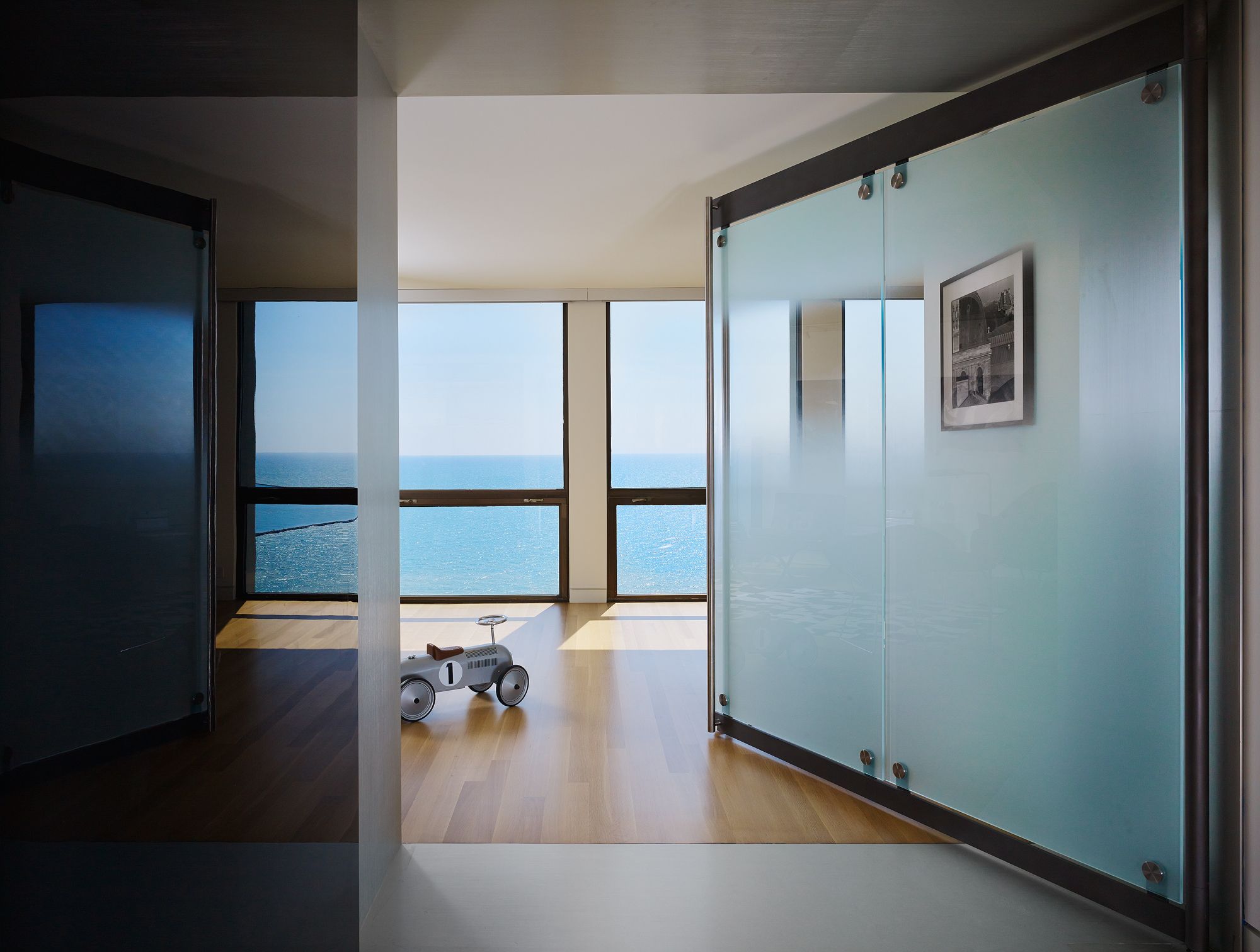 Lake Shore Drive Apartment  Eric Keune  Chicago, IL     Return to Projects