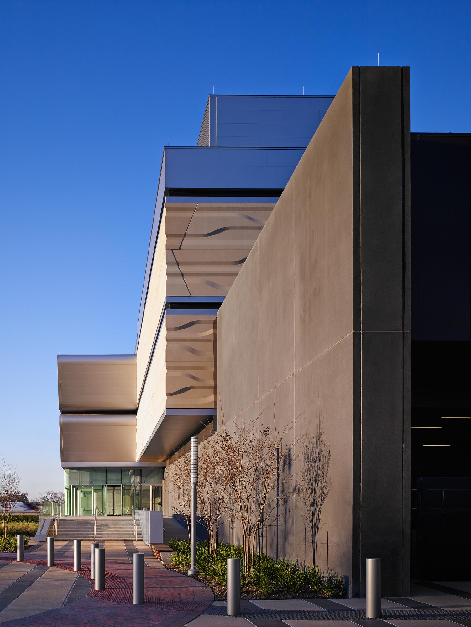 BP Center  HOK  Houston, TX     Return to Projects