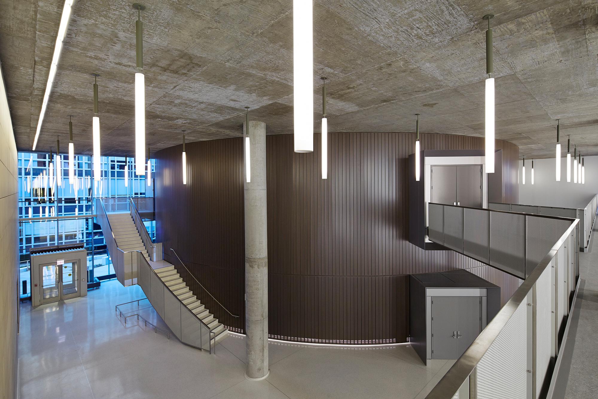 Gordon Parks Arts Hall  Valerio Dewalt Train Associates  Chicago, IL     Return to Projects