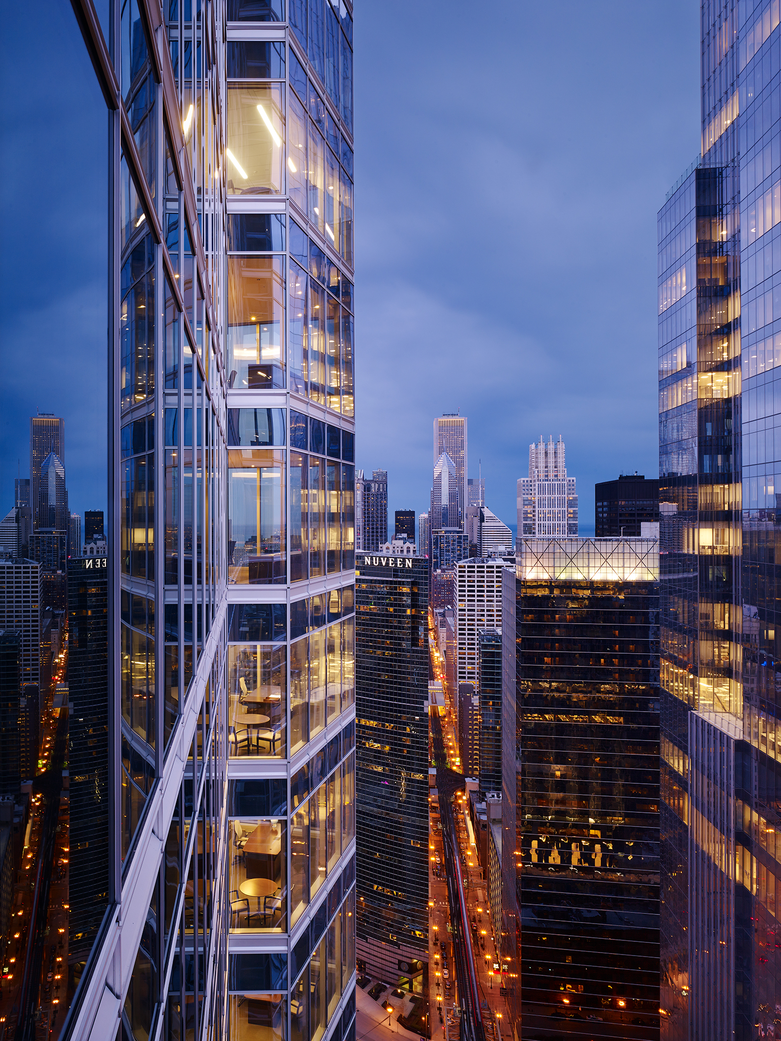 McDermott Will & Emery  Gary Lee Partners  Chicago, IL      Return to Projects