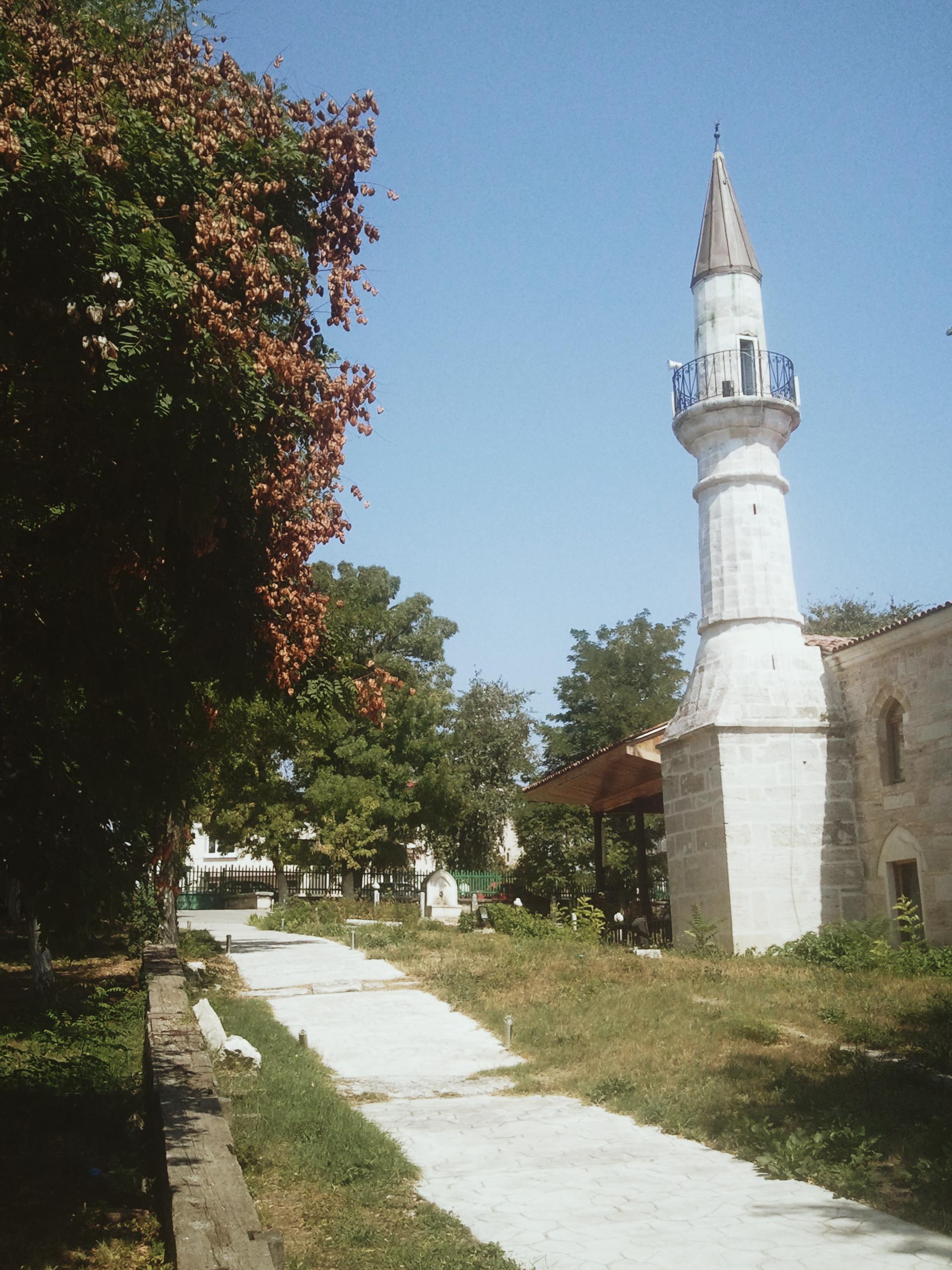 Photo of the ' Esmehan Sultan Mosque' Tharik Hussain