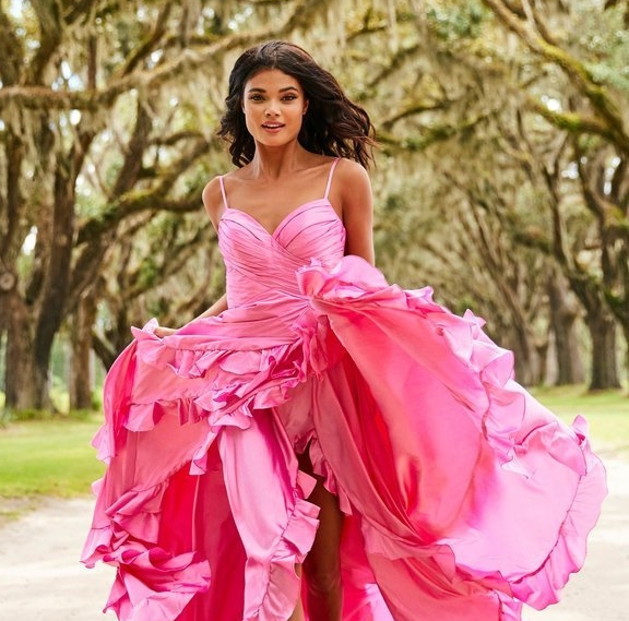 SHERRI HILL SPRING 2019 CAMPAIGN   (CLICK TO VIEW GALLERY)