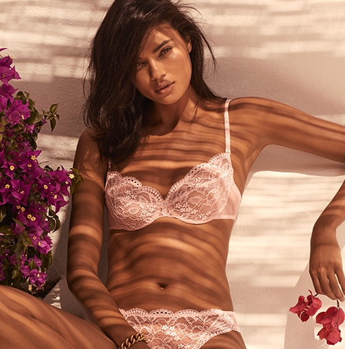 ANDRES SARDA SUMMER 2019 CAMPAIGN   (CLICK TO VIEW GALLERY)