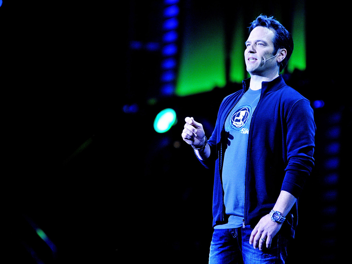 phil-spencer-lead-2014-e3.jpg
