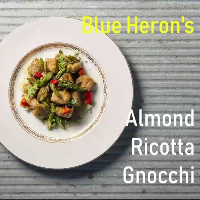 What to cook for your #vegan or #veggie date on #ValentinesDay2019? How about the @BlueHeronCheese Roasted Carrot & Almond Ricotta #Gnocchi with vegan Beurre Blanc? Perfect comfort food for a snowy #Vancouver week. While there's a bit of work involved it's a well known fact that #homemade is sexier!