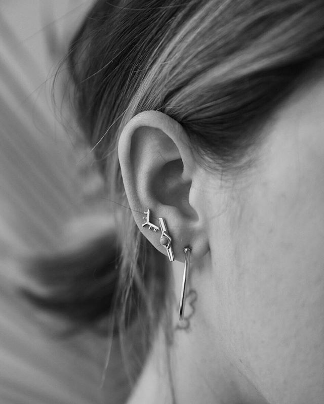 Saturday Ear Party with the Sunrise, Horizon, and 9am Earrings. ⠀⠀⠀⠀⠀⠀⠀⠀⠀ PS. The Sunrise Earrings have been selling fast and we only have a few left! ⠀⠀⠀⠀⠀⠀⠀⠀⠀ #sierrawinterjewelry #sterlingsilver #gold #lovegold #jewelrygram #showmeyourjewels #jewelrydesigner #jewelry #jewelrydesign #buycoolshit
