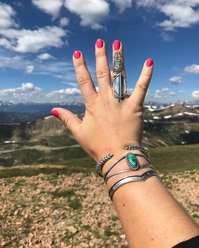 Happy Weekend from me and the Warrior Ring at 13,000 Ft. 🌄 ⠀⠀⠀⠀⠀⠀⠀⠀⠀ #sierrawinterjewelry #sterlingsilver #jewelrygram #showmeyourjewels #lovelandpass #colorado #jewelry #buycoolshit