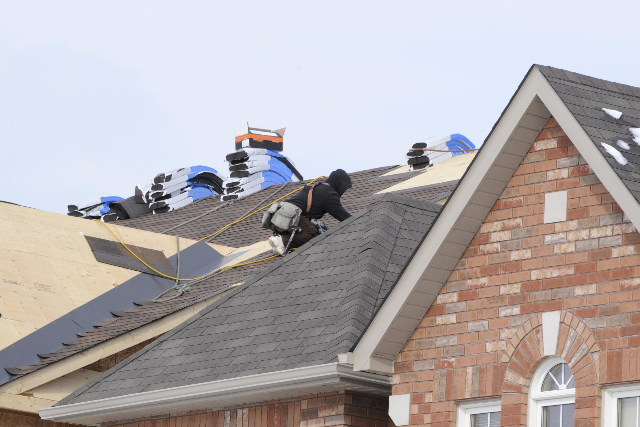 Spring TX Roof Replacement Near Me - When roof repair is not an option, call In the roof replacement experts . Avalanche Roofing Contractors of Spring TX is committed to professionally replacing old worn-out roofing materials with ease!