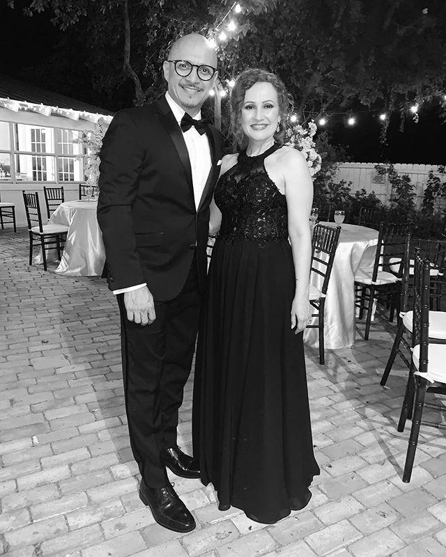 Hoy celebramos 27 años de casados. Para mi tu eres la mujer mas hermosa y mas bella en todo el planeta. Te amo! @msginny