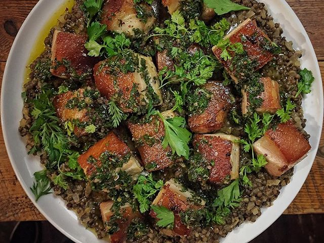 It's a Crispy confit Pork Belly, lentils & salsa verde kinda party tonight! #buyout #xmasparty