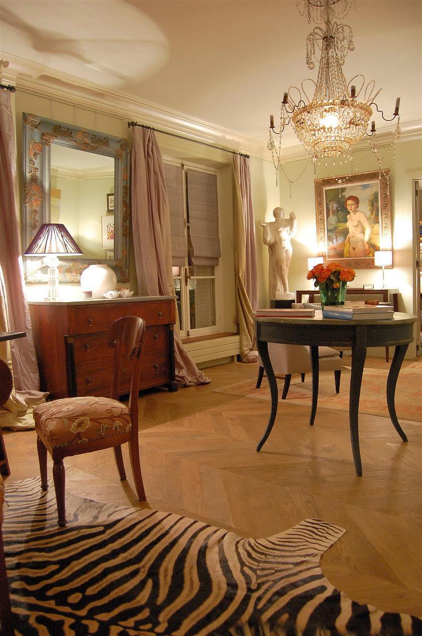 Paris side salon.jpg