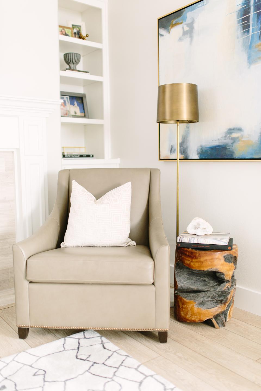 Contemporary classic living room - Akin Design Studio