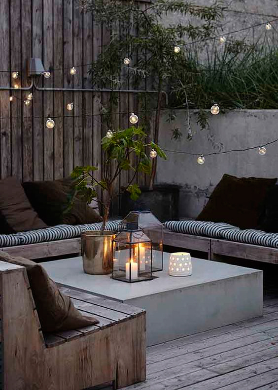 We're sharing 5 ways to make your outdoor space ready for entertaining | Akin Design Studio Blog | Modern Outdoor Seating Area