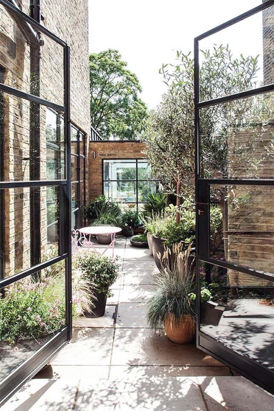 Statement Gardens: glass and steel garden door entrance | Akin Design Studio Blog