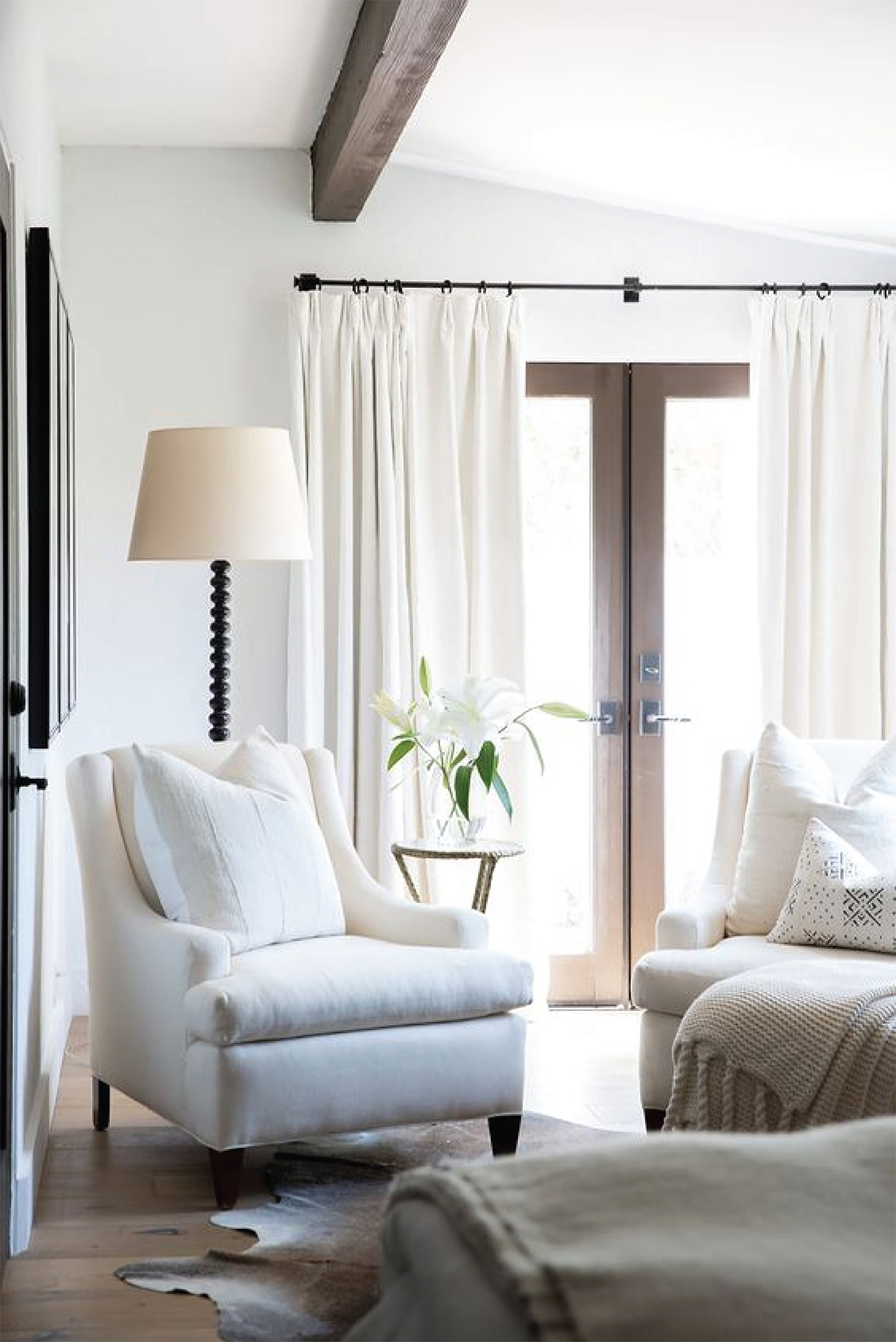White Bright Living Room Design   Akin Design Studio Blog