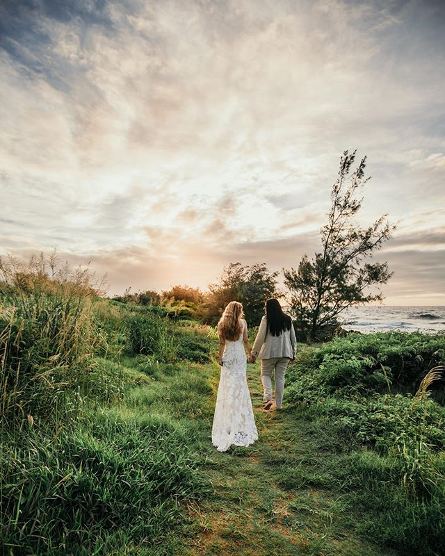 There is nothing more wonderful than when your childhood friends daughter decides to get married on this magical island of Kauai and you get to shoot the love between the two most beautiful women❤️🌈 It truly was their love that put all the  glow into this sunrise on this glorious Hawaiian morning ✨✨✨