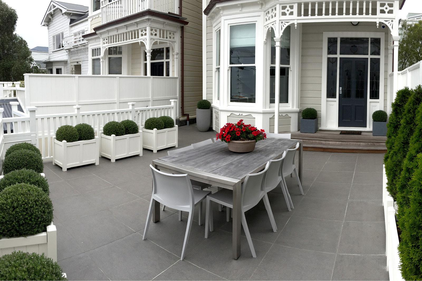 Urban_Courtyard_Formal_Garden_MNLA_2.jpg