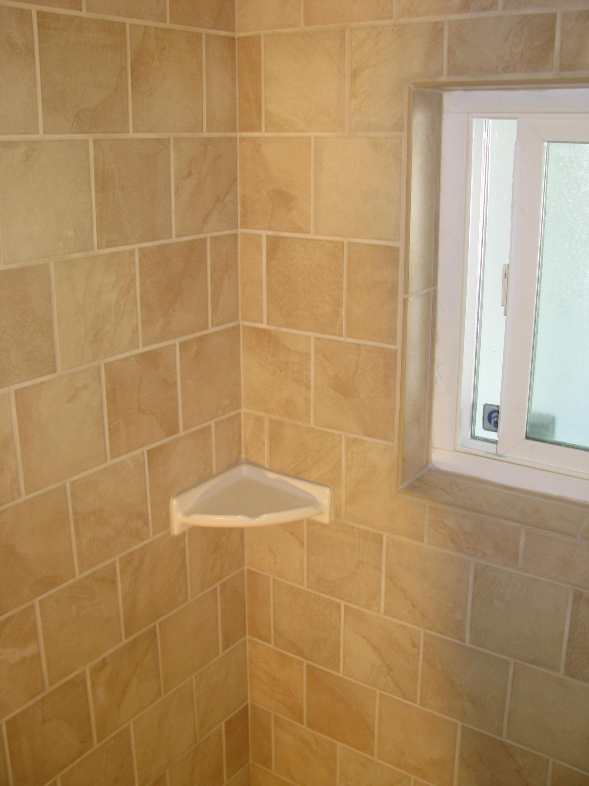 Tub Shower Wall Corner left side.JPG