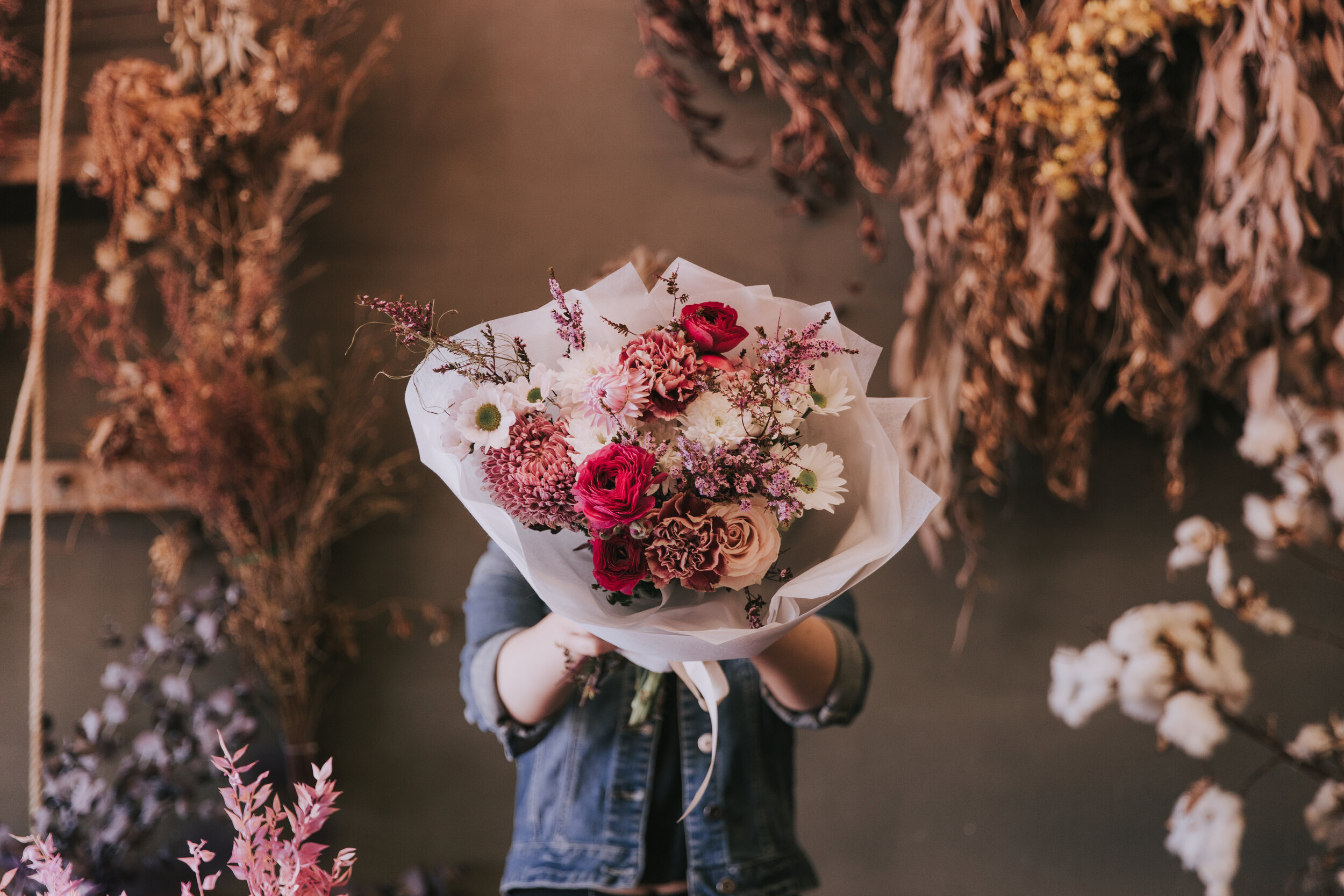 The Meadow Casual - Our Starter Bouquet.Perfect for the kind gesture, the thinking of you, the I'm sorry I can't be there,the YEAH GIRL HIGH FIVE type occasions.from $50AUD