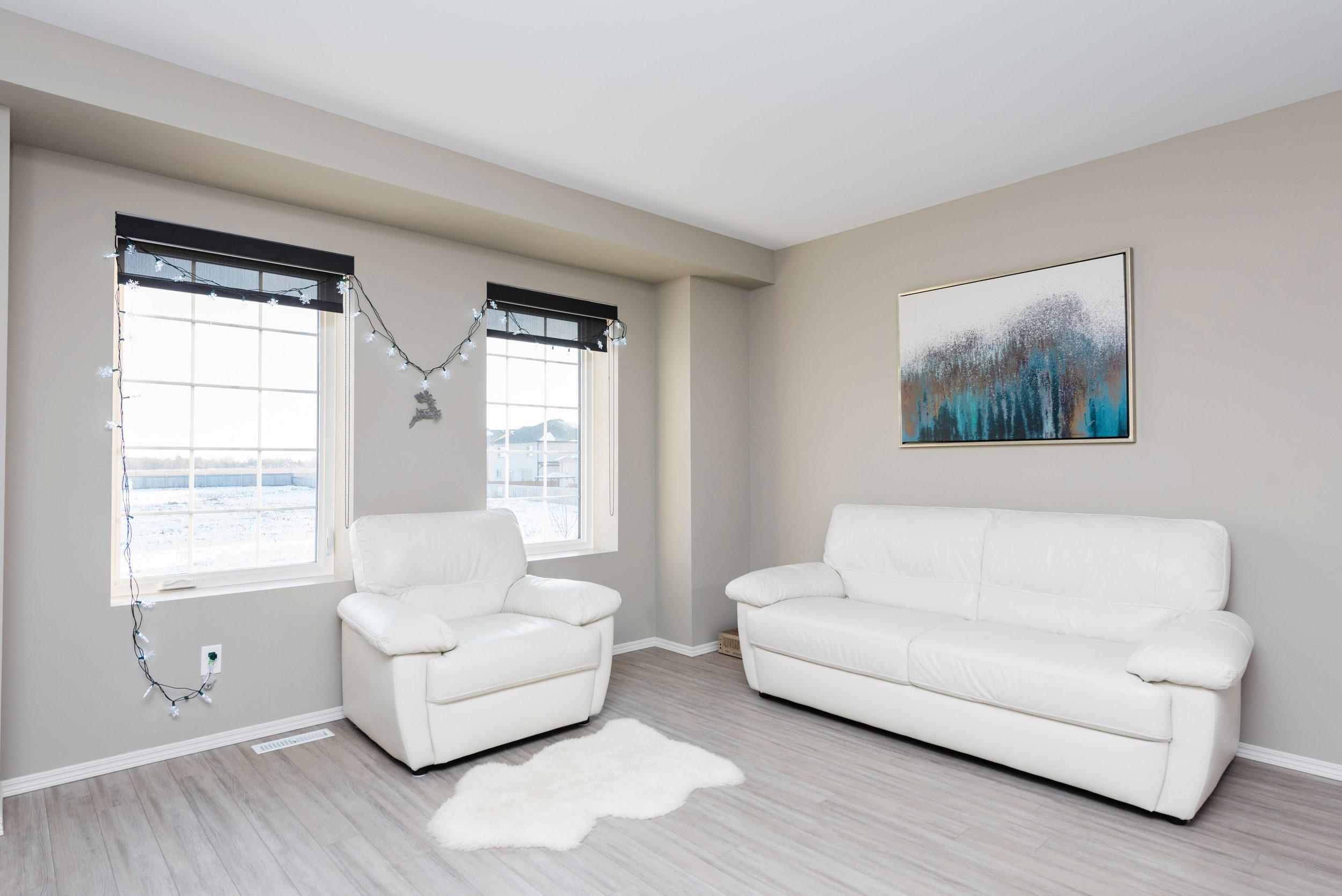 10420 Ancaster Gate Winnipeg-print-012-12-Living Room-4200x2804-300dpi.jpg
