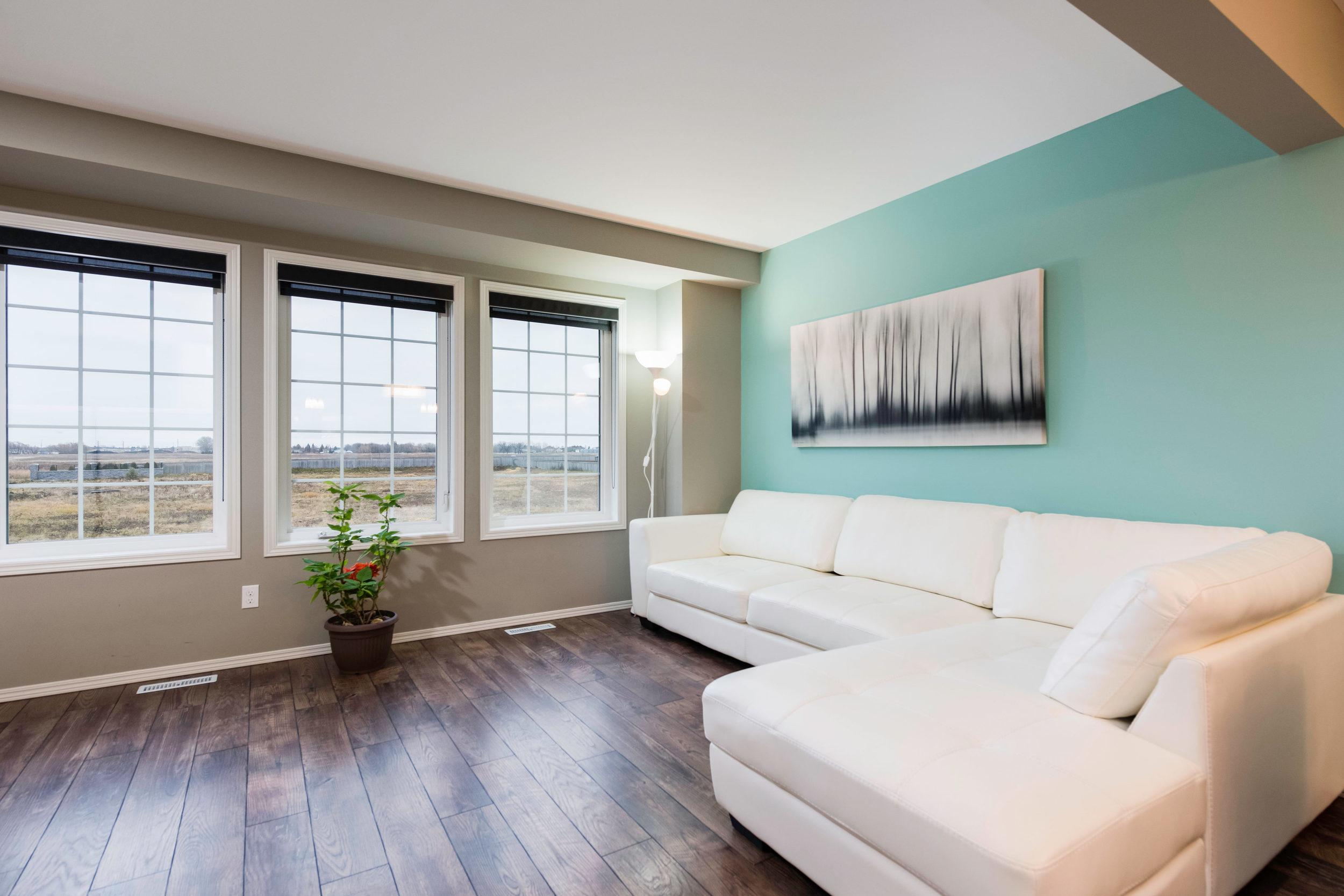 10620 Ancaster Gate Winnipeg-print-008-22-Living Room-4200x2804-300dpi.jpg