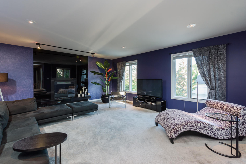 74 Dunbar Crescent Winnipeg MB-large-015-Family Room-1200x801-72dpi.jpg