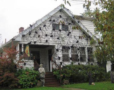 halloween house 3.jpg