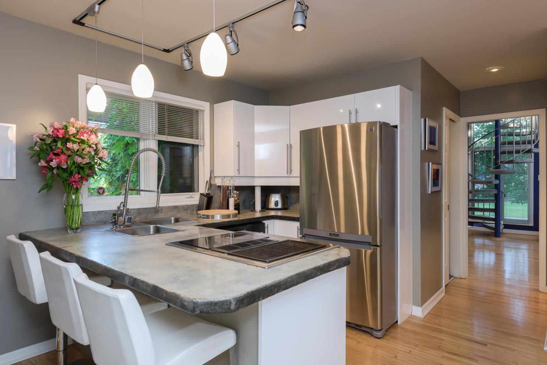 74 Dunbar Crescent Winnipeg MB-large-013-Kitchen-1200x801-72dpi.jpg