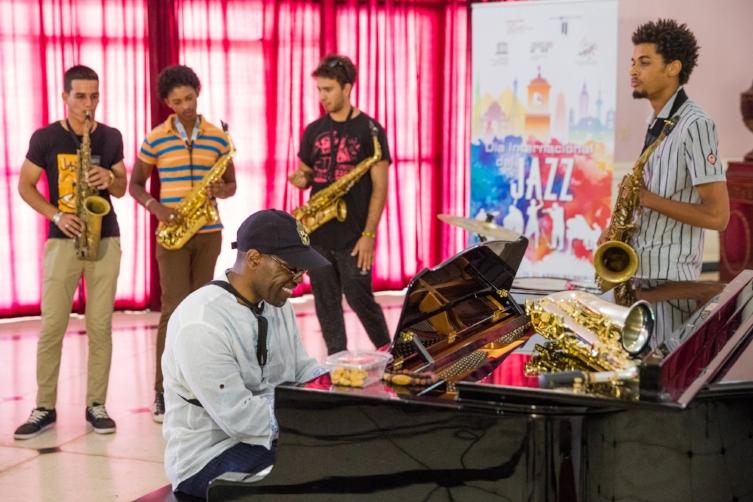 Saxophonist Antonio Hart conducts a master class with students at Havana's Universidad de las Artes, part of International Jazz Day 2017 celebrations in Havana, Cuba, April 28, 2017.