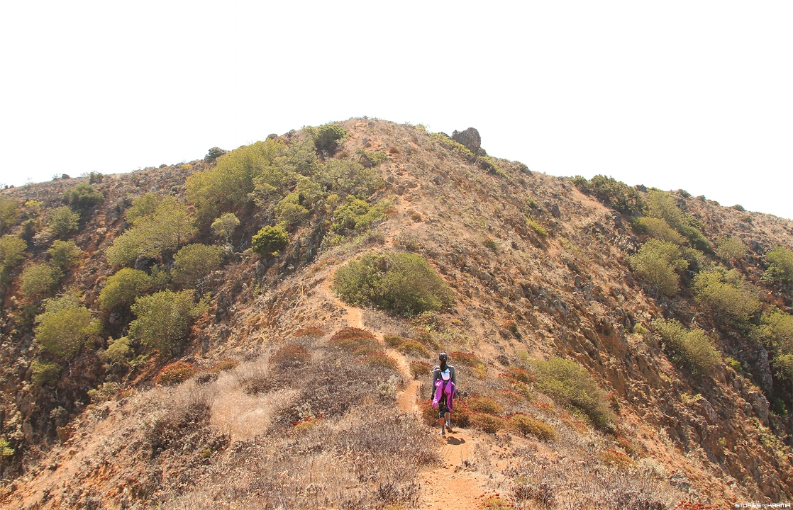 Hiking up to Montañon Ridge