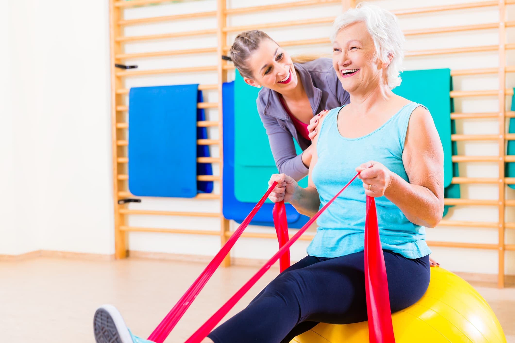 woman-smiling-during-physical-therapy