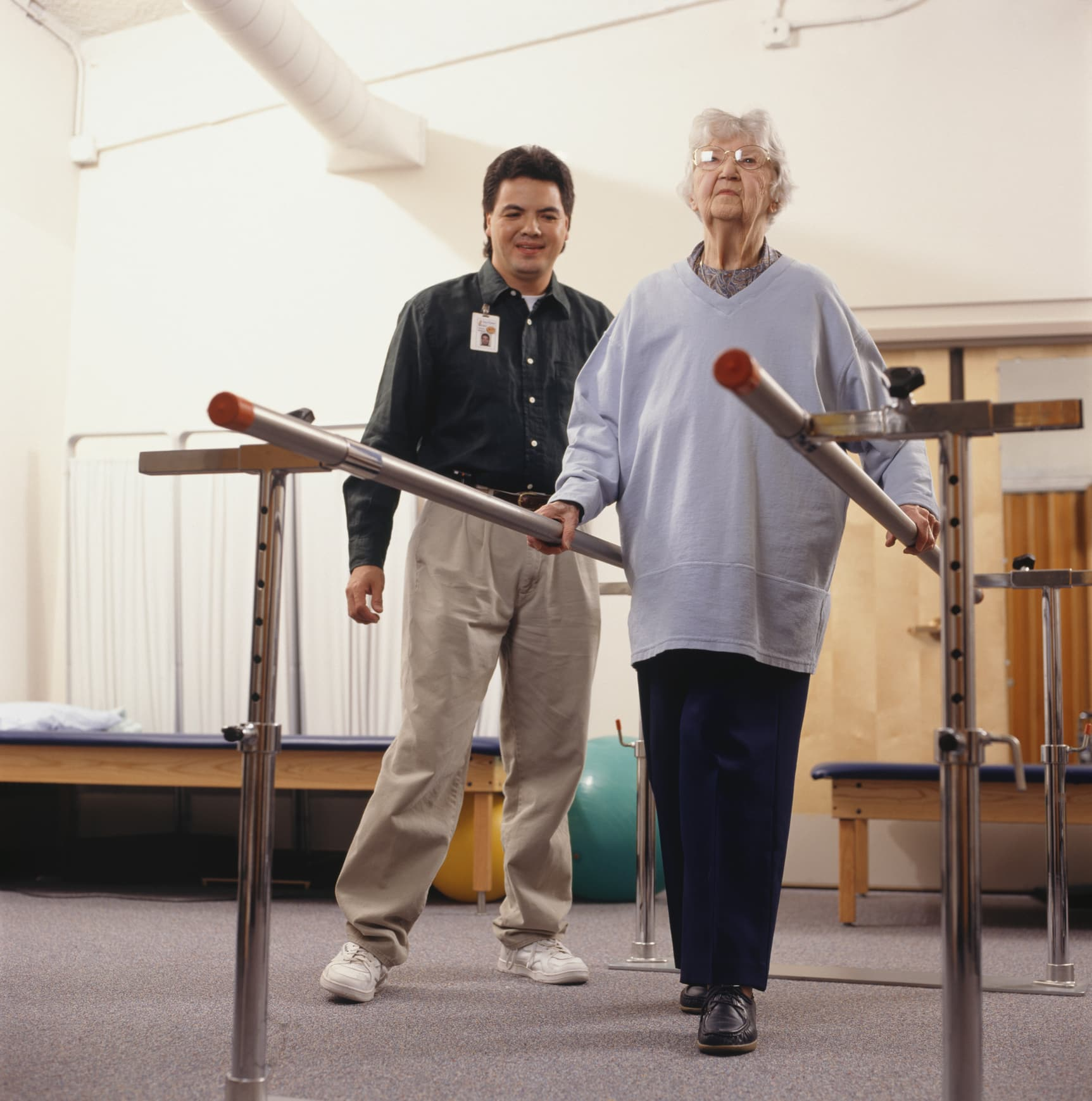 senior-woman-in-short-term-rehab-with-therapist