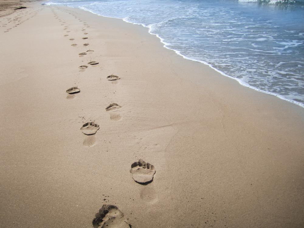 Somatic EMDR: footprints in sand