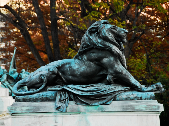 Grant Memorial Lion by Flickr user Mr_Mayer, Some Rights Reserved