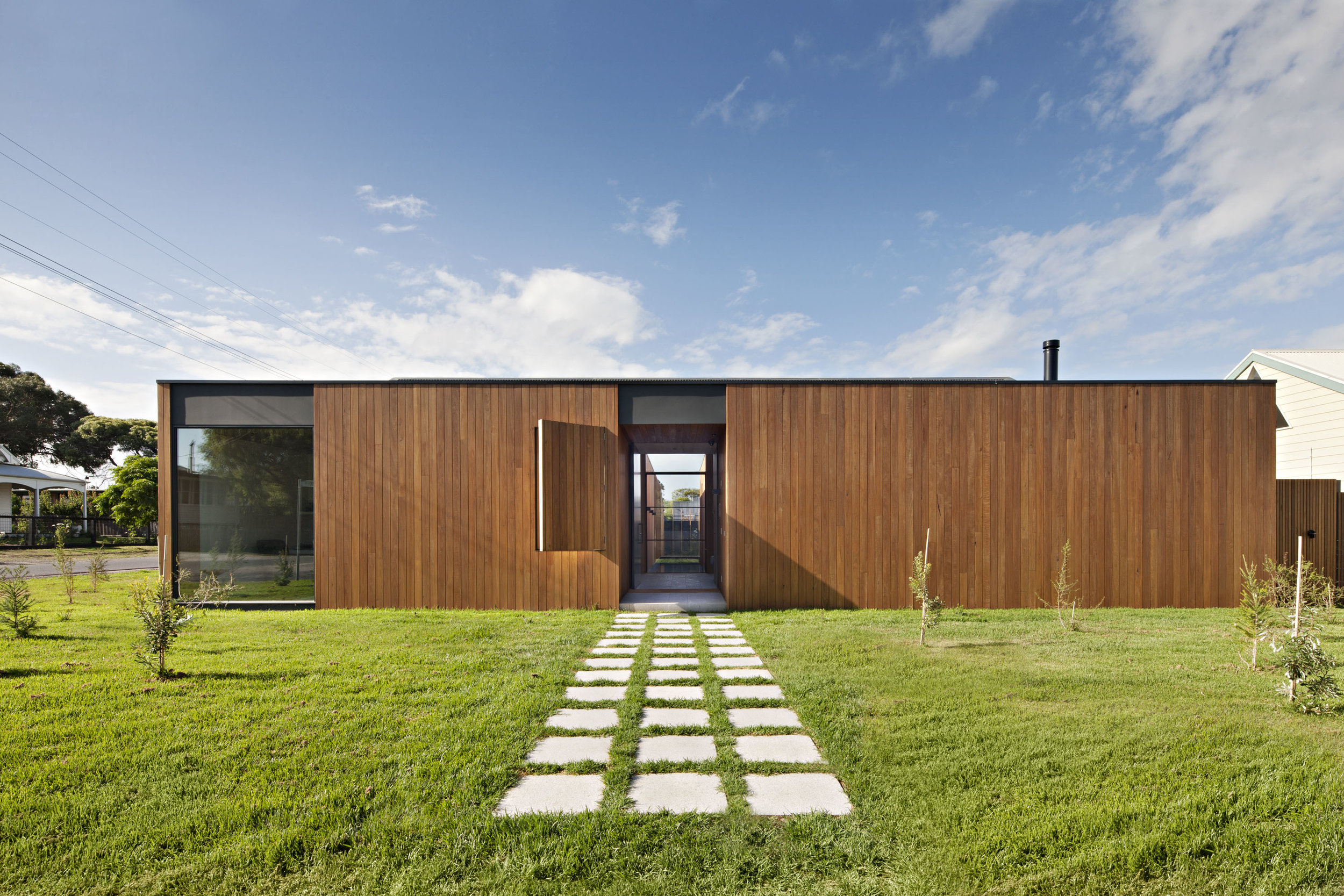 bower-architecture-villa-barwon-timber-front