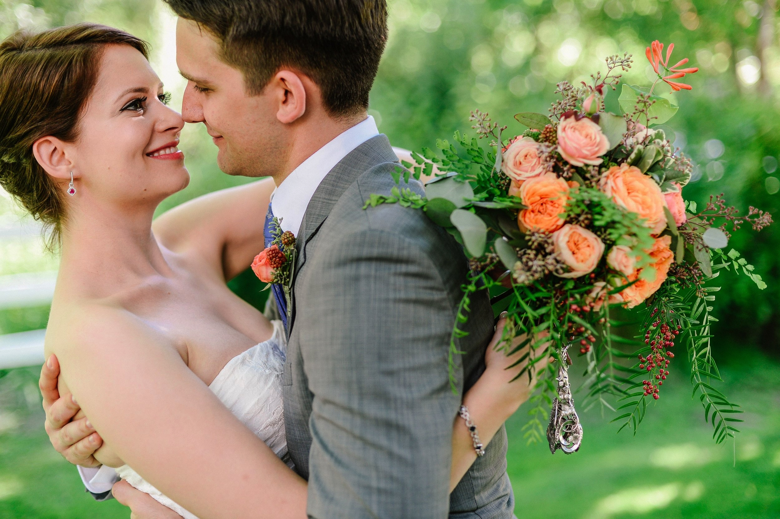 Peach and coral bride's bouquet - Jerome Tso Photography