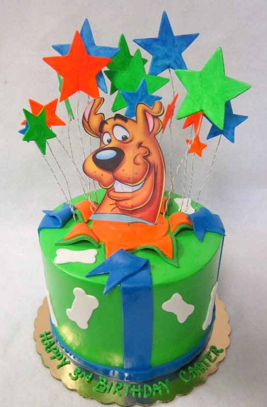 scoobydoo topper and stars.JPG