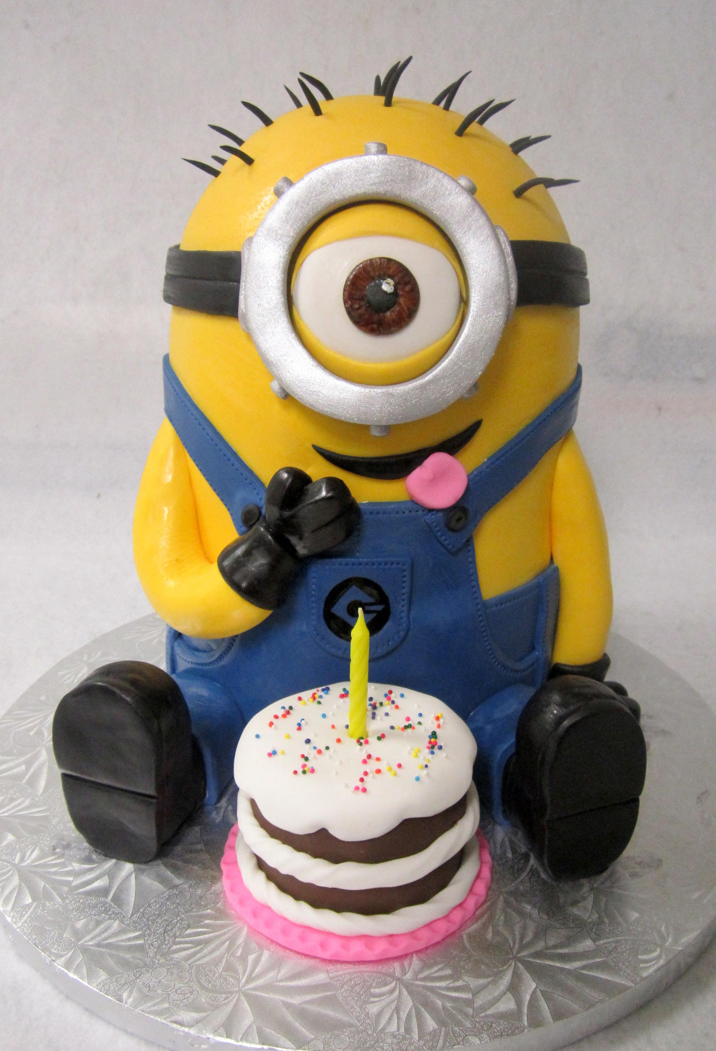 minion-3d cake.jpg