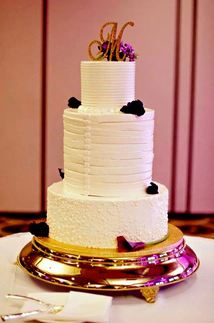 wedding cake-corsett buttons.jpg