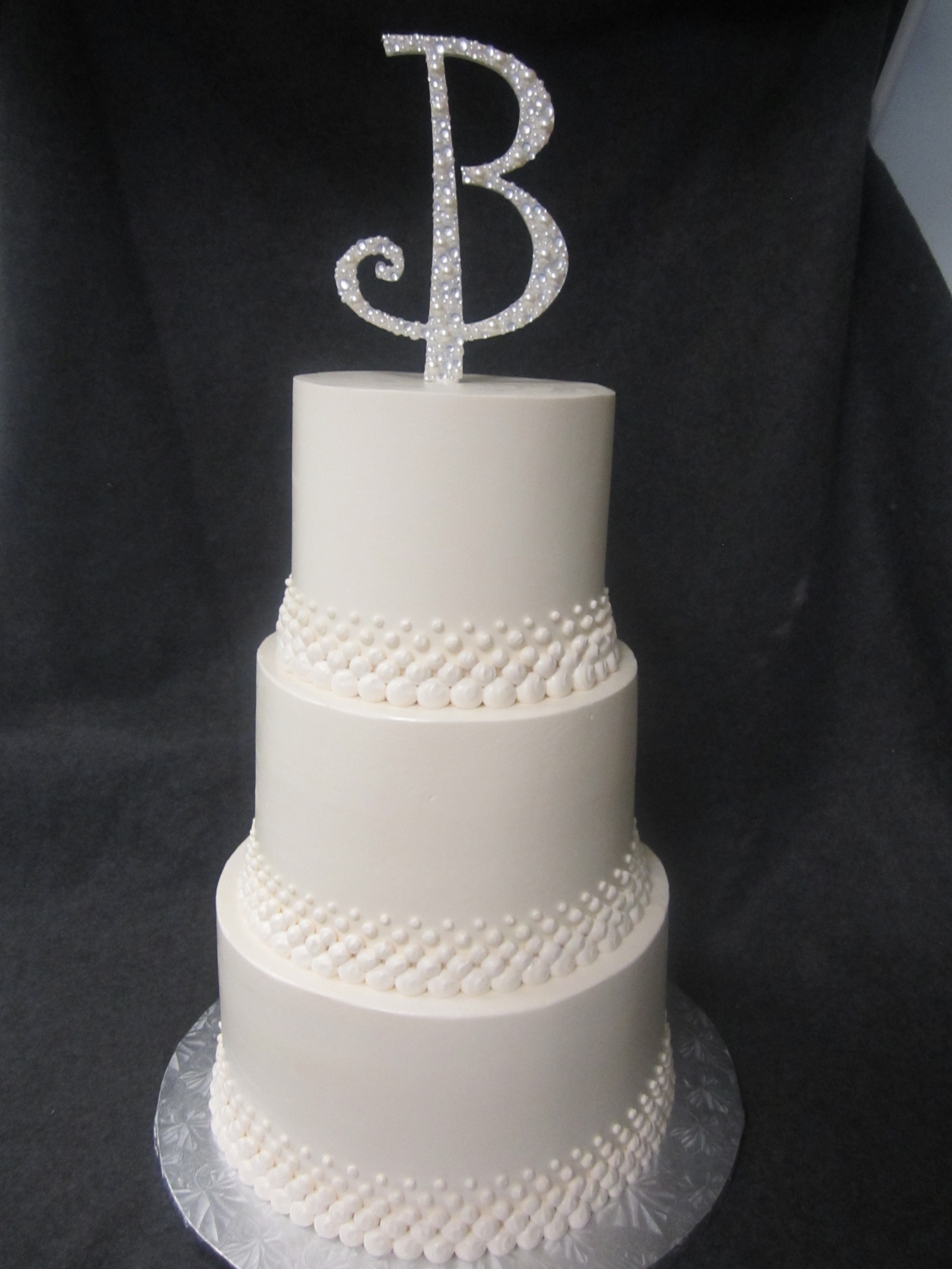 wedding cake- white dots.JPG