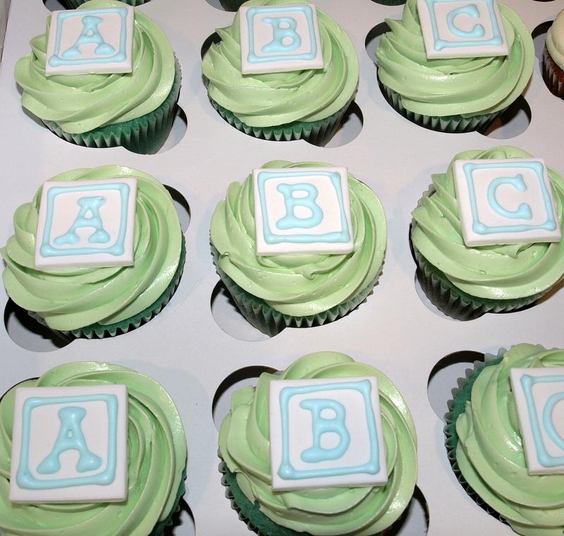 baby_block_cupcakes.JPG