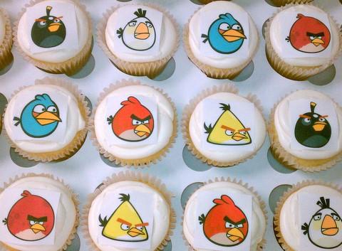 cupcakes-angrybirdedibimage.jpg