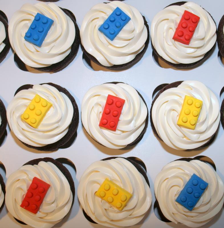 lego_cupcakes.JPG