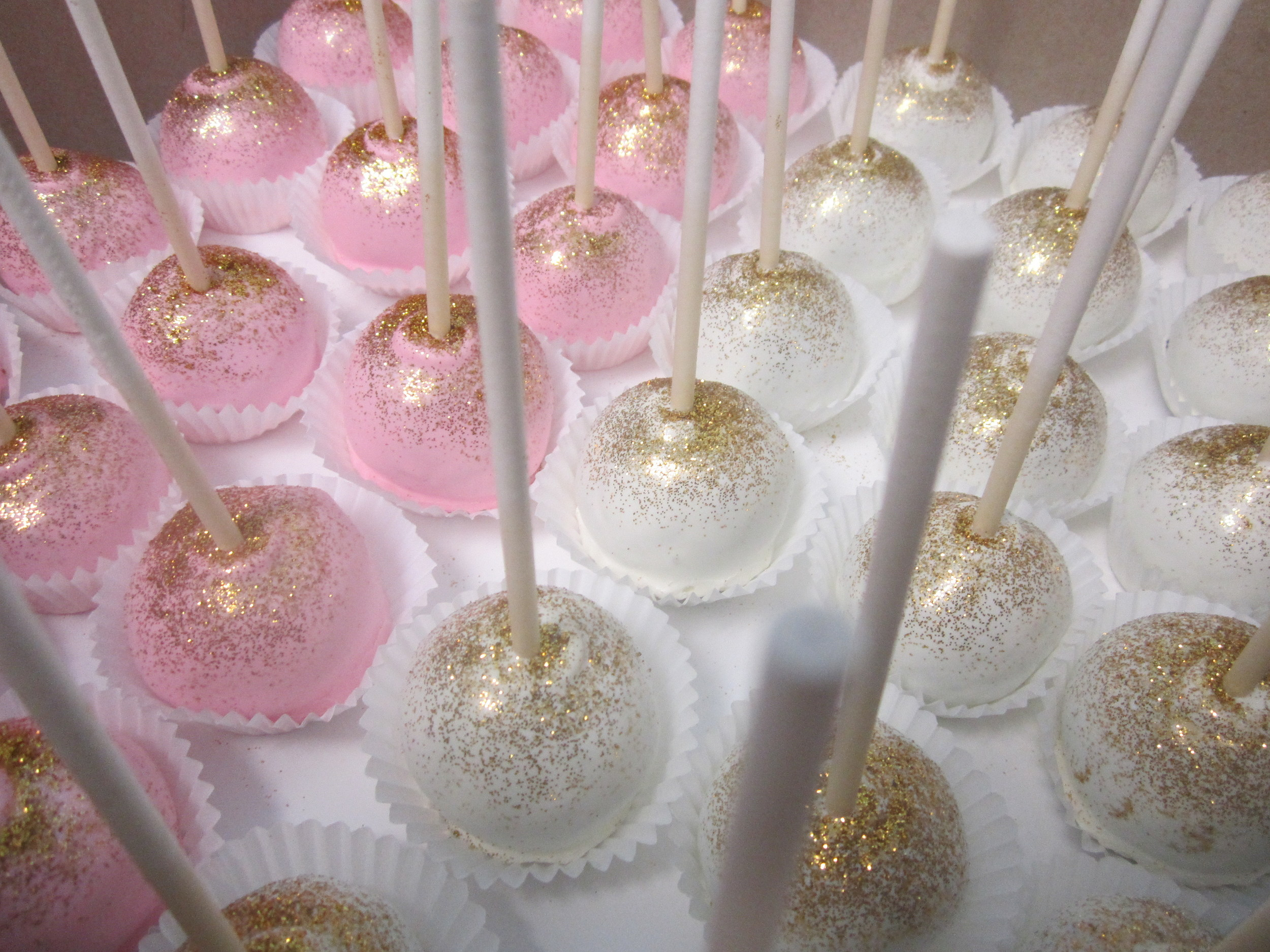 cake pops-gold disco dust.JPG