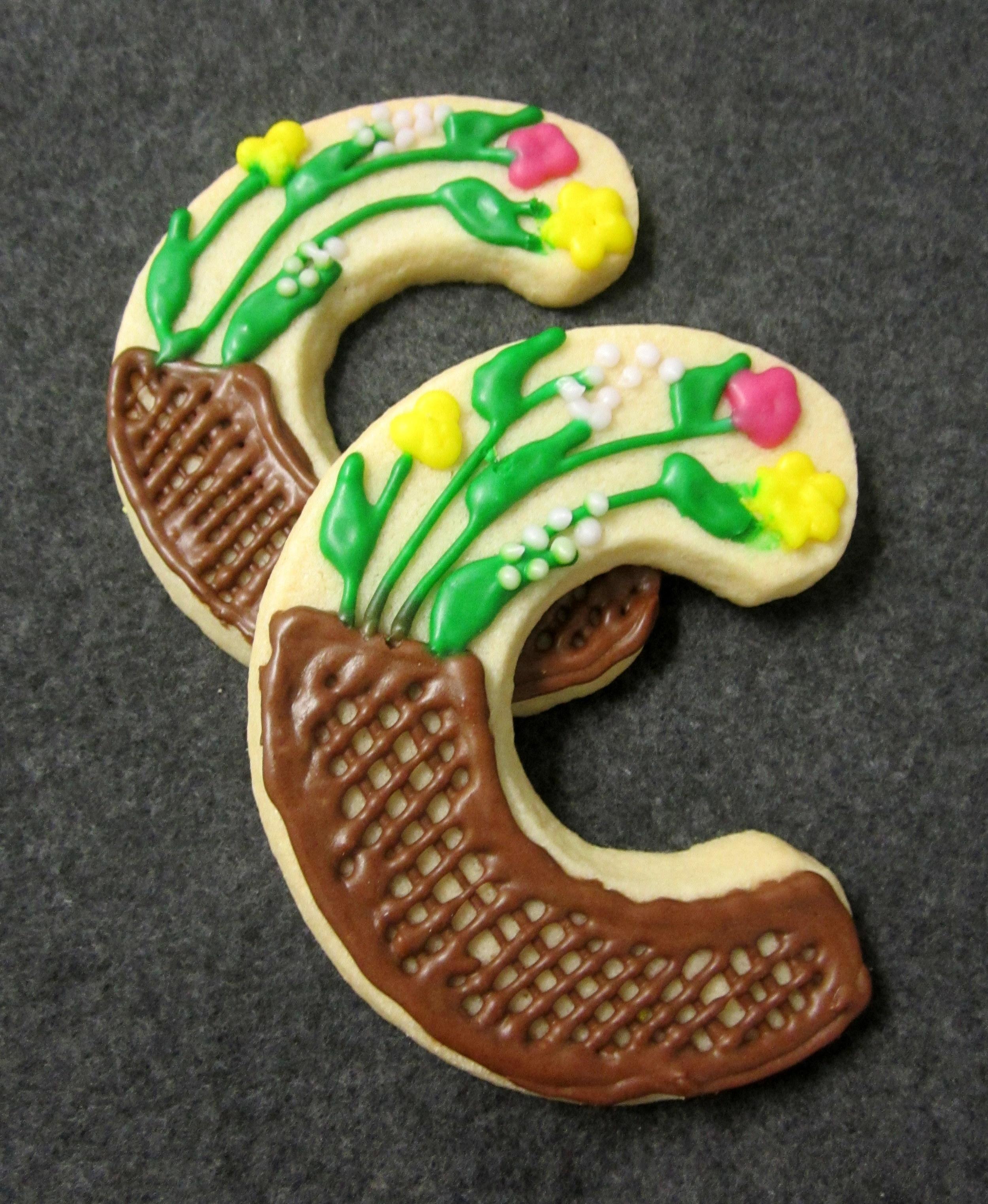 sugar cookies-c with garden.JPG