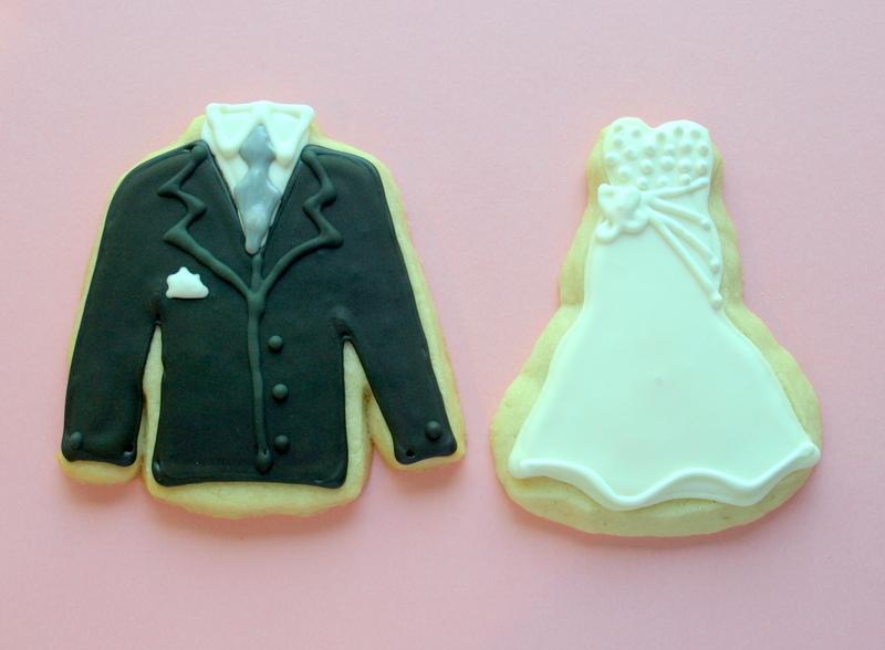 bride_and_groom_cookies.JPG
