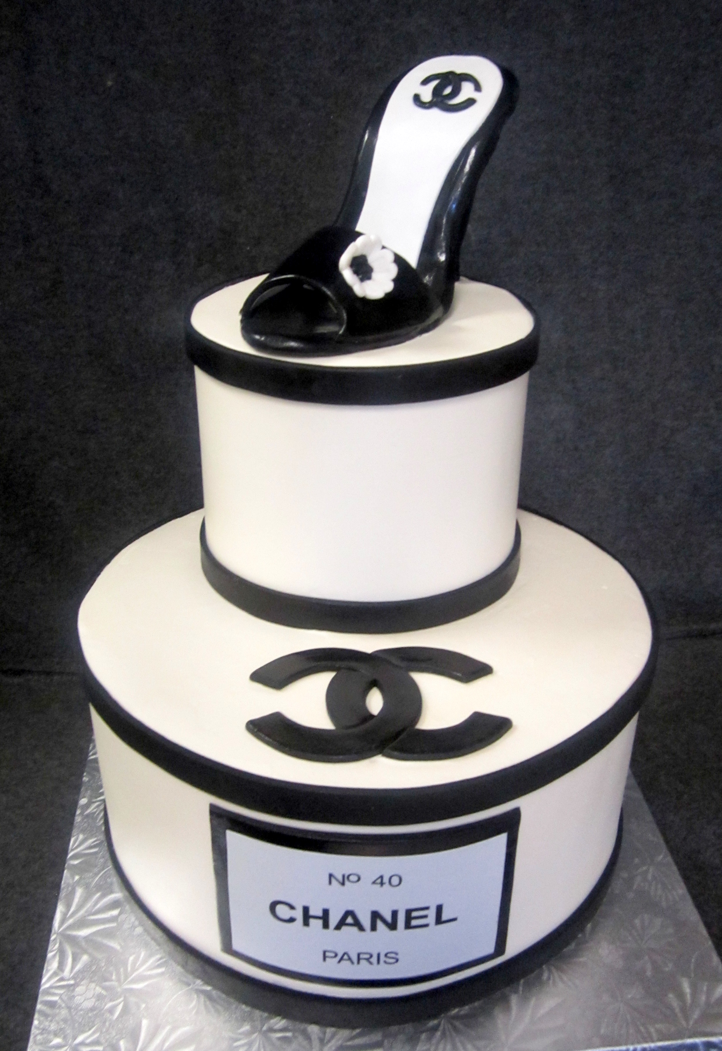 chanel black and white cake with heel.jpg