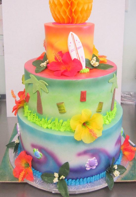 hawaiin luau cake.JPG