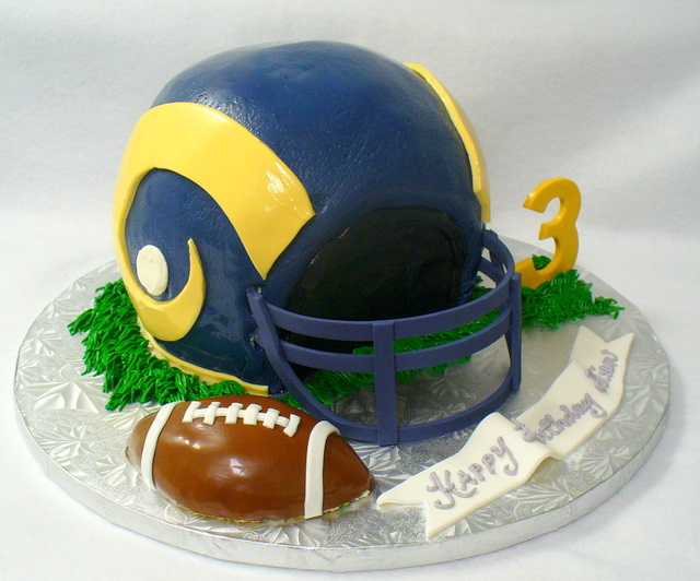 rams_helmet_cake.JPG